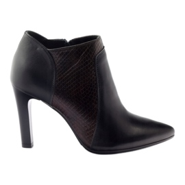 Espinto 107/30 botas de mujer negras.