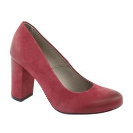 Zapatos clásicos de mujer Edeo 2119 color burdeos.