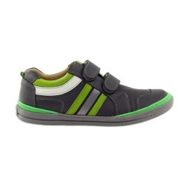 Zapatos con un elemento reflectante Bartuś