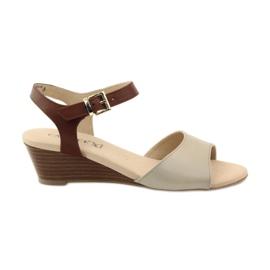 Sandalias de piel para mujer Caprice 28213 marrón
