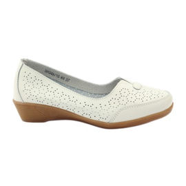 Zapatillas de piel minceladas vinceza. blanco