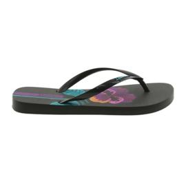 Zapatillas de mujer fragantes Ipanema 82661 negras negro