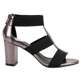 Sandalias de moda en el UP Post de VINCEZA gris