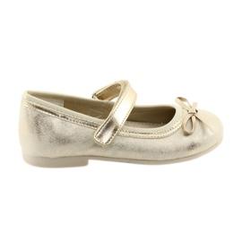 Zapatillas bailarinas con lazo American Club GC18. marrón amarillo