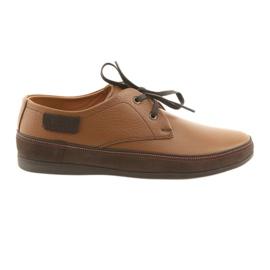 Zapatos de hombre Badura 3716 marrón.