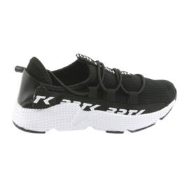 Zapatillas deportivas Bartek negro 55109 inserto en piel.