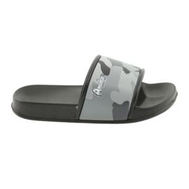 Zapatillas de camuflaje con perfil de American Club gris.