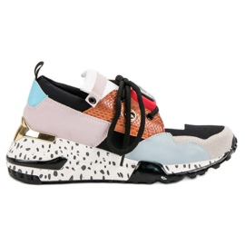 Zapatillas VICES de moda