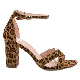 Ideal Shoes marrón Sandalias en la barra