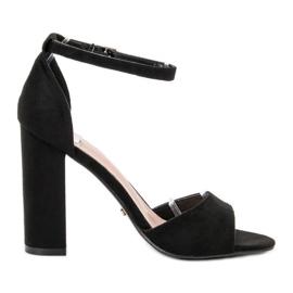 Ideal Shoes negro Sandalias cómodas de tacón alto