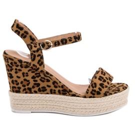 Ideal Shoes Sandalias con estilo en cuña marrón