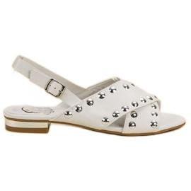 Kylie blanco Sandalias blancas abrochadas con una hebilla