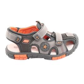American Club Zapatos Sandalka con un inserto de cuero American DR02.