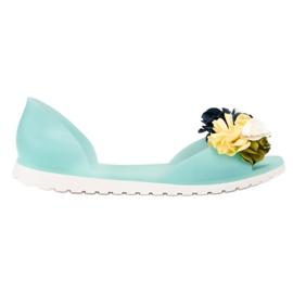 Ideal Shoes verde Meliski con flores