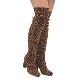 Botas de leopardo en el poste sobre la rodilla E5116.