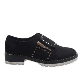 Zapatos sin cordones negros con tachuelas U-6249