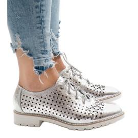 Gris Zapato calado plateado con tachuelas G-106-2.