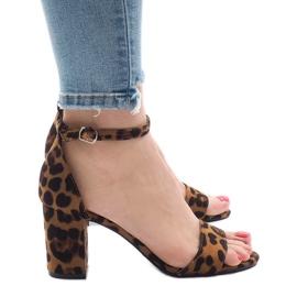Sandalias leopardo cinco tacones 5102