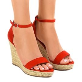 Sandalias rojas en cuña alpargatas BD342. rojo