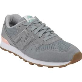 Zapatillas New Balance en WR996FSB gris