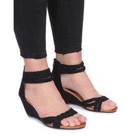 Negro Sandalias negras en una delicada cuña Desun
