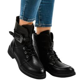 Botas negras con hebillas 404 negro