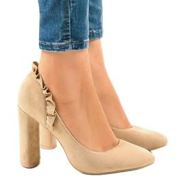 Zapatos de tacón de ante beige con tacones altos LE037P marrón