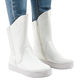 Zapatillas blancas con botas aisladas HX5187-5 blanco