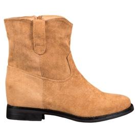 Ideal Shoes Botas vaqueras calientes en cuña marrón