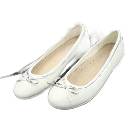 Bailarinas con lazo, perla blanca American Club GC29 / 19. 2