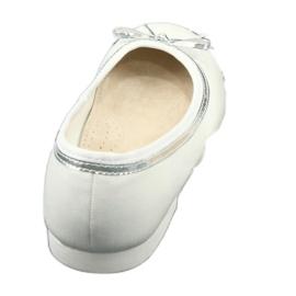 Bailarinas con lazo, perla blanca American Club GC29 / 19. 3