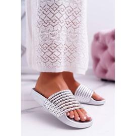Zapatillas de mujer con cuentas plateadas Elavi gris 1