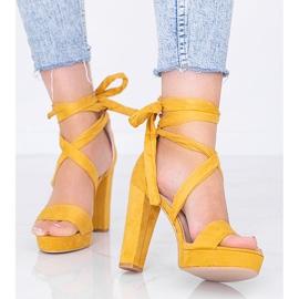 Sandalias mostaza con cordones de Ginny amarillo 1