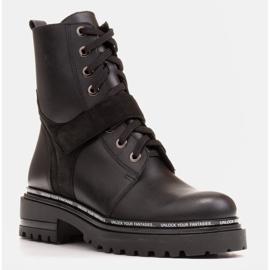 Marco Shoes Botas de mujer con un interesante y grueso fondo. negro 1